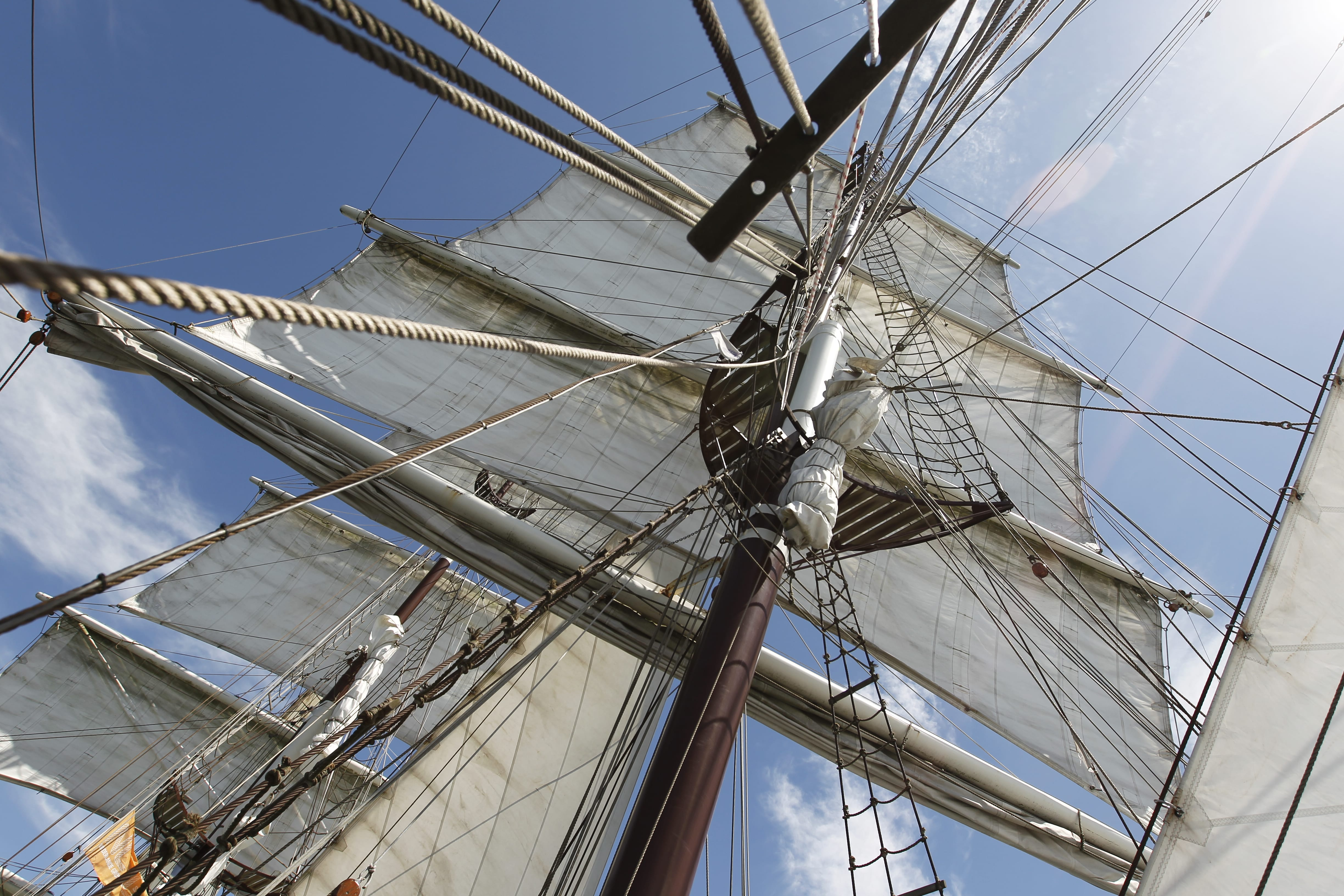 Mast, sails and ropes from Bark Artemis
