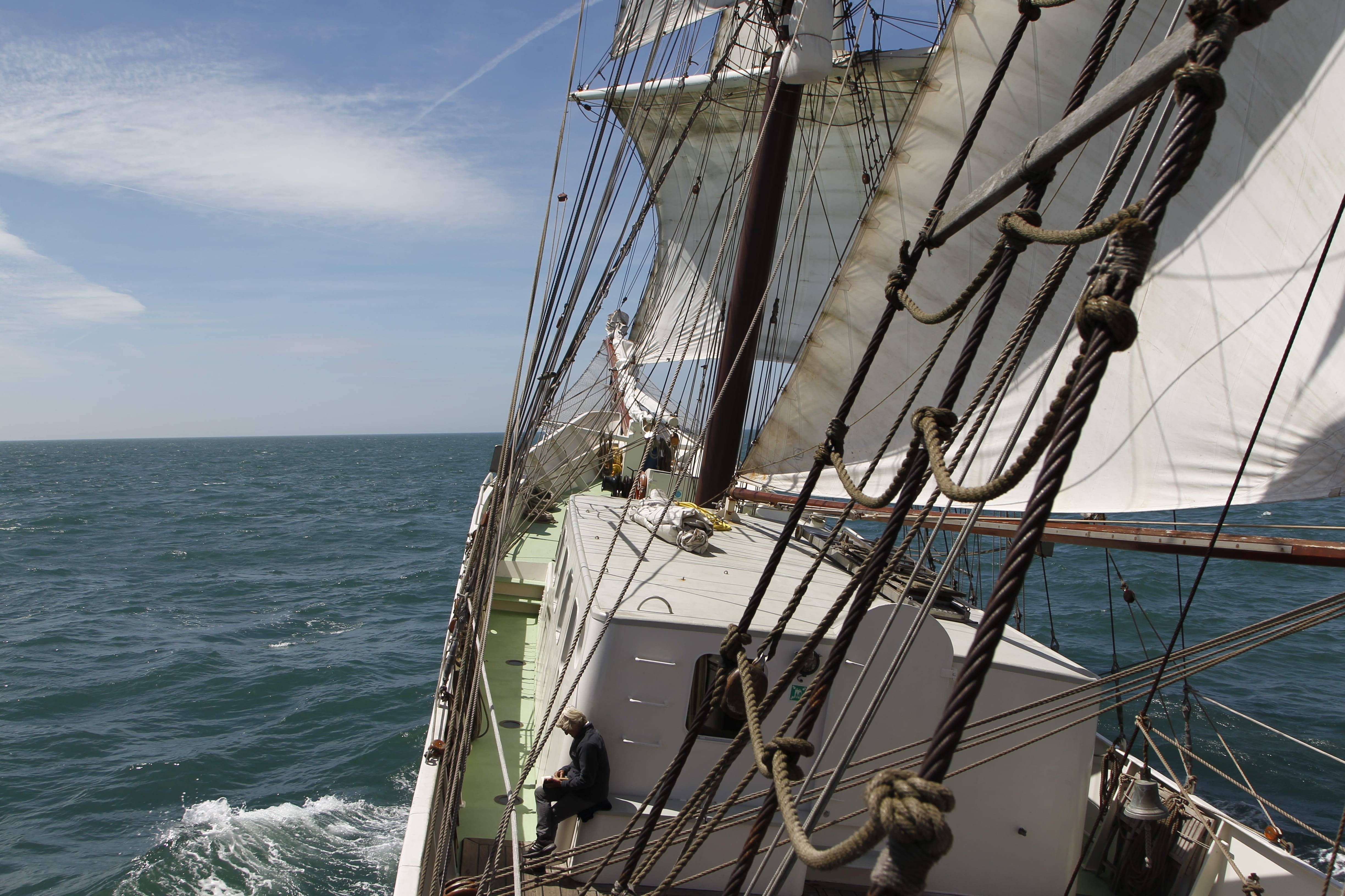 Artemis sails clause hauled